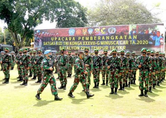 Nusabali.com - satu-kompi-prajurit-kodam-udayana-berangkat-ke-konga