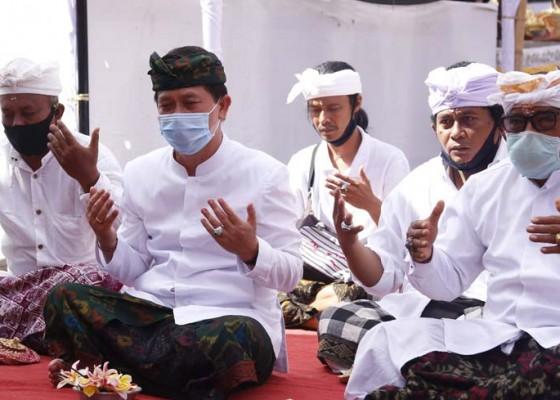 Nusabali.com - hadiri-karya-melaspas-bupati-suwirta-harap-masyarakat-jaga-prokes-covid-19