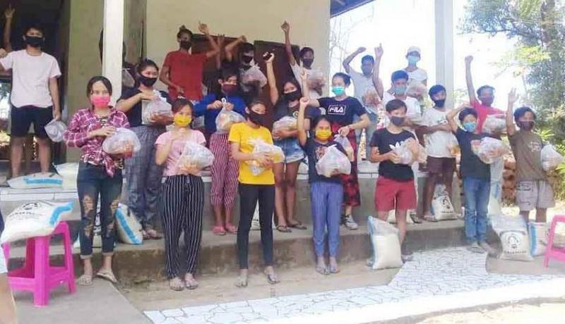 www.nusabali.com-yayasan-ekotorin-bantu-siswa-150-paket-sembako