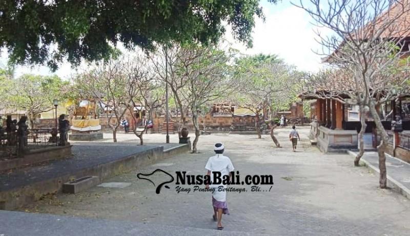 www.nusabali.com-pamedek-diimbau-ngayat-dari-mrajan
