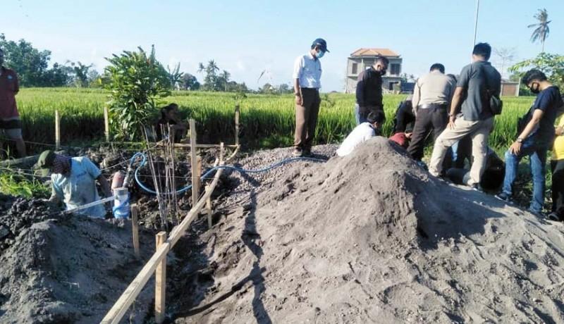 www.nusabali.com-gali-pondasi-buruh-bangunan-temukan-tulang-manusia