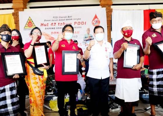 Nusabali.com - bupati-giri-prasta-apresiasi-donor-darah-serangkaian-hut-ke-42-pddi-provinsi-bali