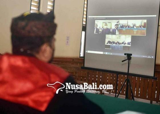 Nusabali.com - jerinx-minta-majelis-hakim-diganti