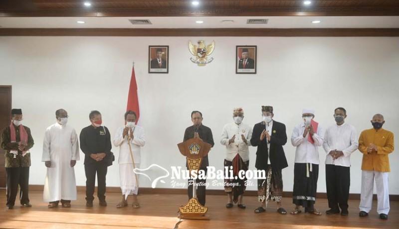 www.nusabali.com-gubernur-minta-desa-adat-tertibkan-tajen