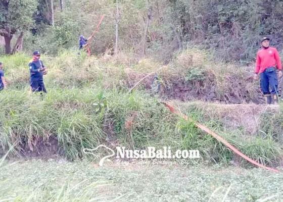 Nusabali.com - bukit-asah-terbakar-petugas-kesulitan-ke-lokasi