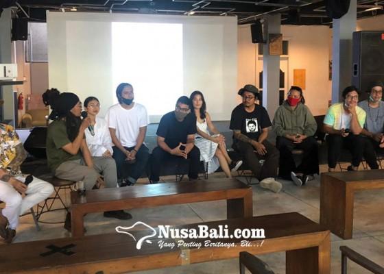 Nusabali.com - pohon-tua-creatorium-perkenalkan-4-grup-teranyar