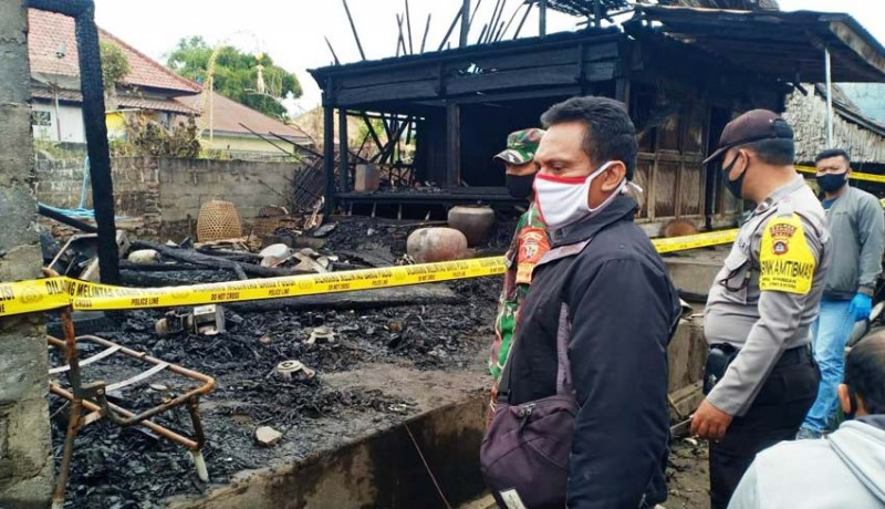 www.nusabali.com-dua-dapur-di-desa-pinggan-terbakar