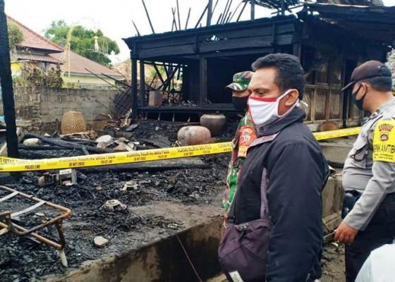 Nusabali.com - dua-dapur-di-desa-pinggan-terbakar