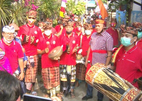 Nusabali.com - jalan-merpati-raya-berubah-menjadi-kampung-bernuansa-bali