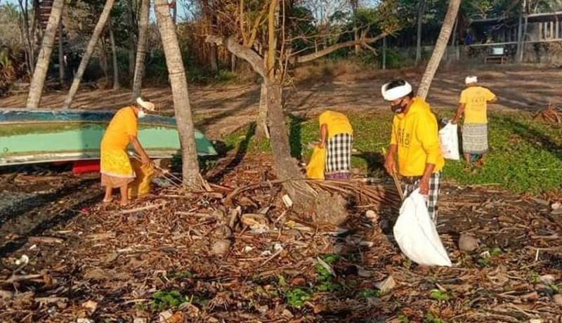www.nusabali.com-umanis-galungan-trash-hero-bersihkan-sampah-plastik