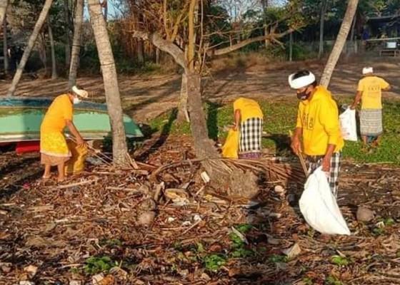 Nusabali.com - umanis-galungan-trash-hero-bersihkan-sampah-plastik