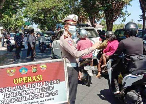 Nusabali.com - tiga-orang-terjaring-operasi-yustisi-di-kecamatan-buleleng-dan-sukasada