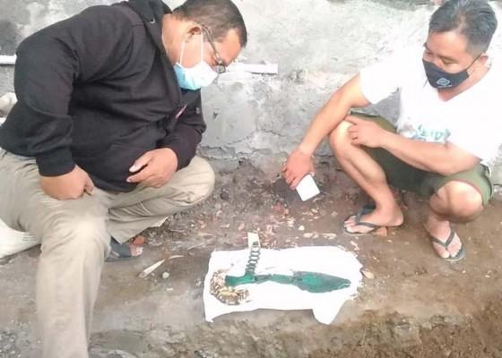 Nusabali.com - buruh-proyek-temukan-tulang-belulang