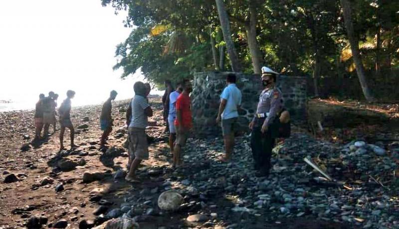 www.nusabali.com-mayat-mr-x-ditemukan-tertelungkup-di-pantai-pelisan