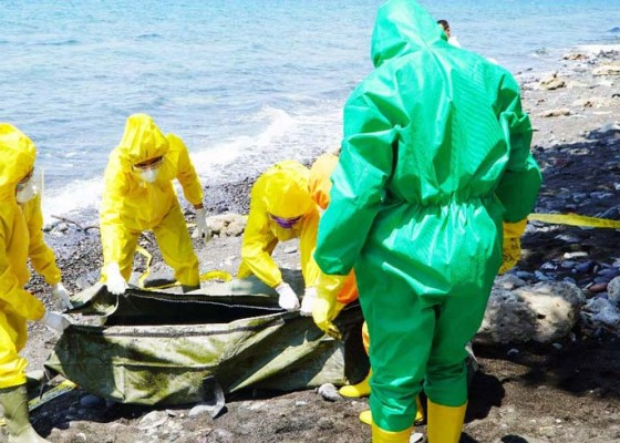 Nusabali.com - mayat-di-pantai-palisan-dipastikan-warga-tejakula-bukan-wna
