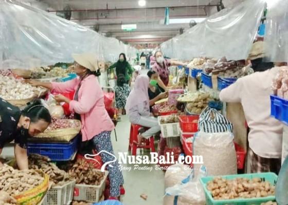 Nusabali.com - jelang-kuningan-pasar-lengang