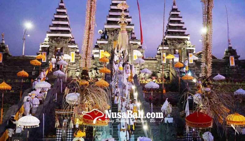 www.nusabali.com-pujawali-di-penataran-nangka-tanpa-melasti