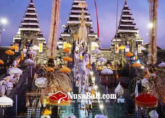 Nusabali.com - pujawali-di-penataran-nangka-tanpa-melasti