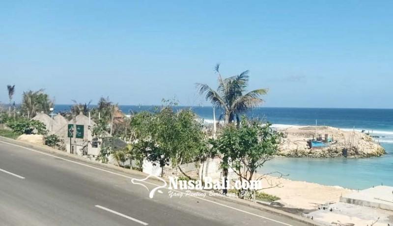 www.nusabali.com-kunjungan-ke-pantai-melasti-terus-merosot
