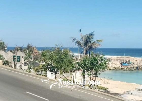 Nusabali.com - kunjungan-ke-pantai-melasti-terus-merosot