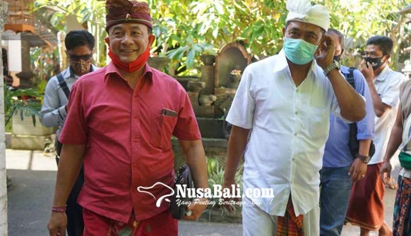www.nusabali.com-cabup-gede-dana-disambut-pasemetonan-dadia-dukuh
