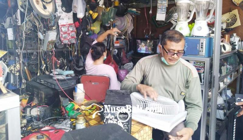 www.nusabali.com-pandemi-pasar-loak-singaraja-sepi-pembeli