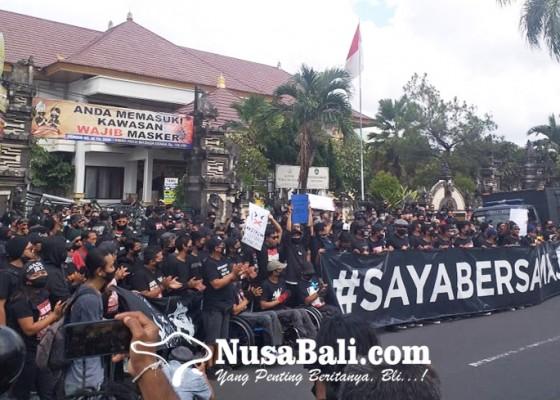 Nusabali.com - sidang-online-ketiga-aksi-massa-jerinx-dibubarkan-polisi