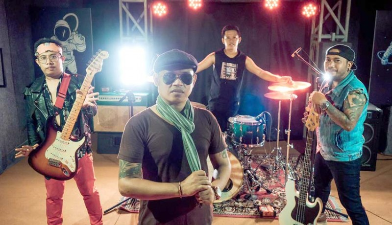 www.nusabali.com-melor-rilis-lagu-jeleme-koruptor