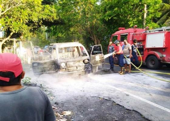 Nusabali.com - awalnya-mogok-pick-up-terbakar