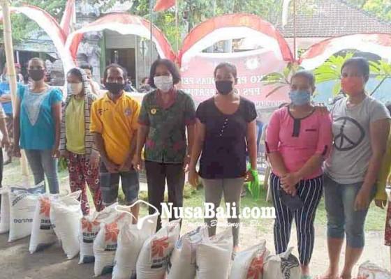 Nusabali.com - bebandem-layani-beras-pkh-hingga-di-luar-desa