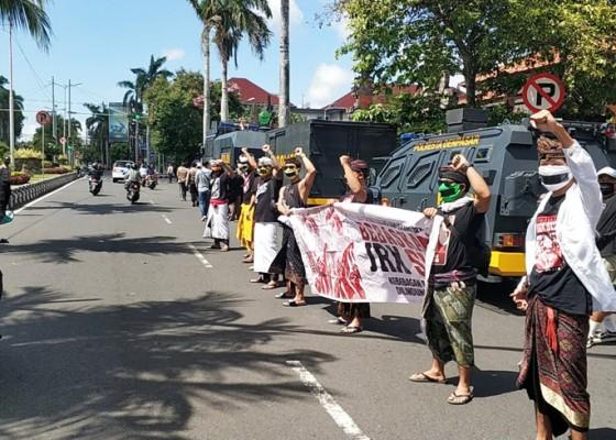 Nusabali.com - dilarang-aksi-massa-pendukung-jerinx-tetap-turun-jalan