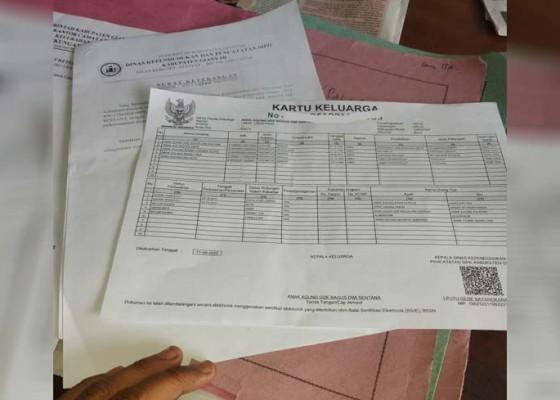 Nusabali.com - dokumen-kependudukan-kini-gunakan-kertas-hvs
