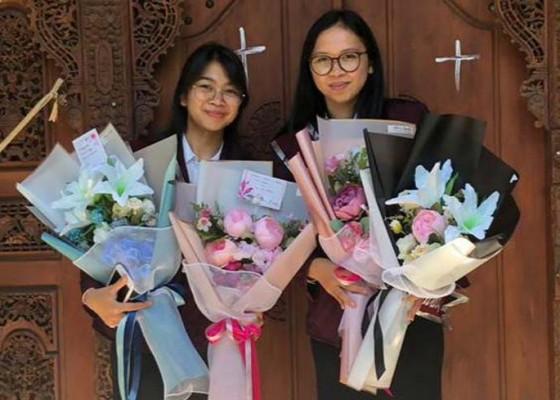 Nusabali.com - lulus-sarjana-ade-dan-deya-tetap-geluti-bulutangkis-dan-tekuni-bisnis