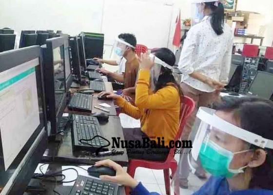 Nusabali.com - sma-pgri-amlapura-gelar-simulasi-akm