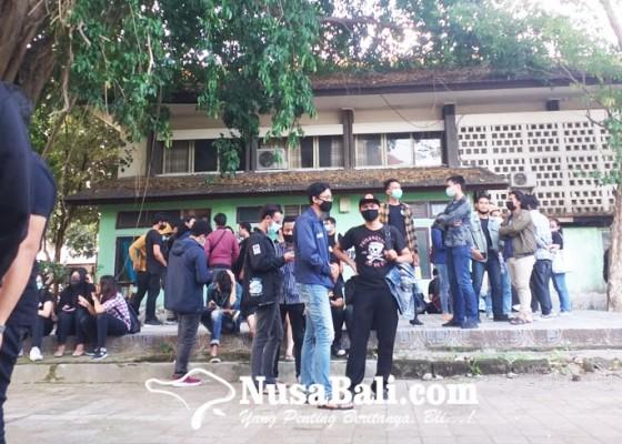 Nusabali.com - ruu-cipta-kerja-disahkan-aliansi-bem-se-bali-konsolidasi-terbuka