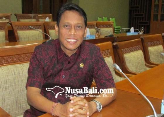 Nusabali.com - jika-tak-setuju-uu-ciptaker-kariyasa-sarankan-judicial-review