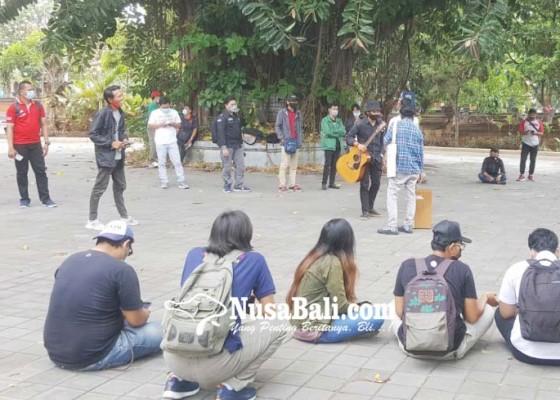 Nusabali.com - okp-buleleng-tolak-omnibus-law