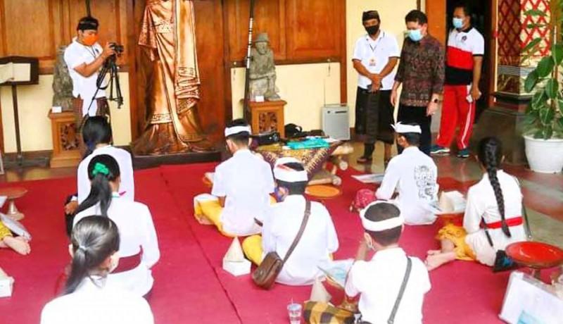 www.nusabali.com-konservasi-lontar-meriahkan-atraksi-budaya-museum-semarajaya