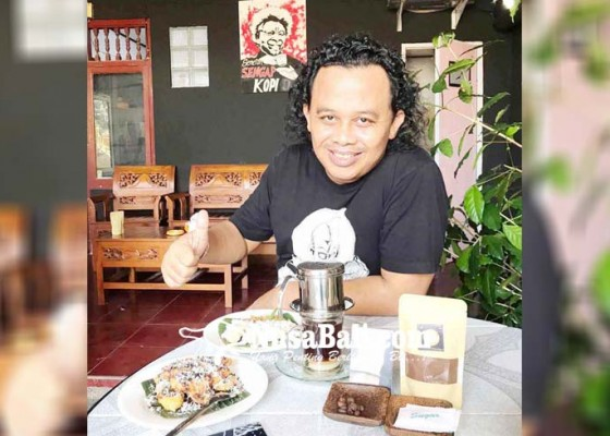 Nusabali.com - job-manggung-berkurang-sengap-medagang-kopi