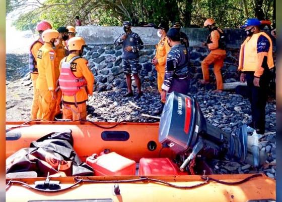 Nusabali.com - jatuh-dari-jukung-nelayan-penuktukan-hilang
