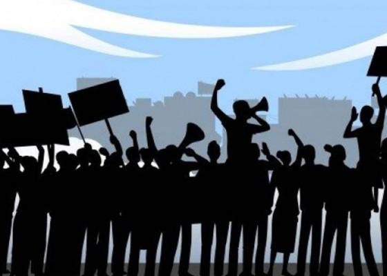 Nusabali.com - mda-larang-demo-lebih-dari-100-orang-di-wewidangan-desa-adat