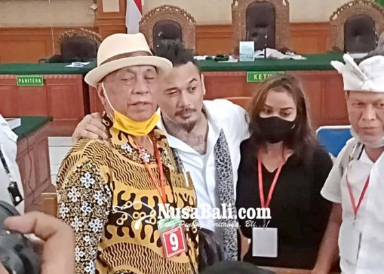 Nusabali.com - saksi-ahli-sudutkan-jerinx