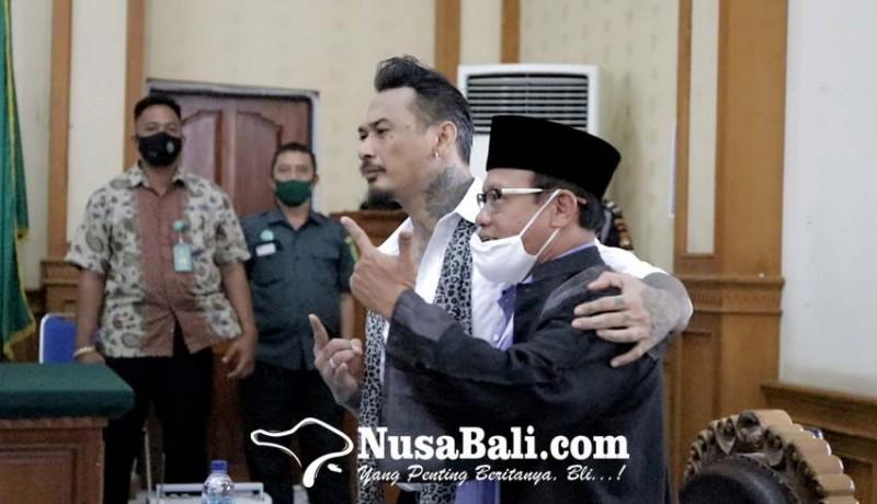 www.nusabali.com-kubu-jerinx-pertanyakan-background-saksi-ahli-bahasa
