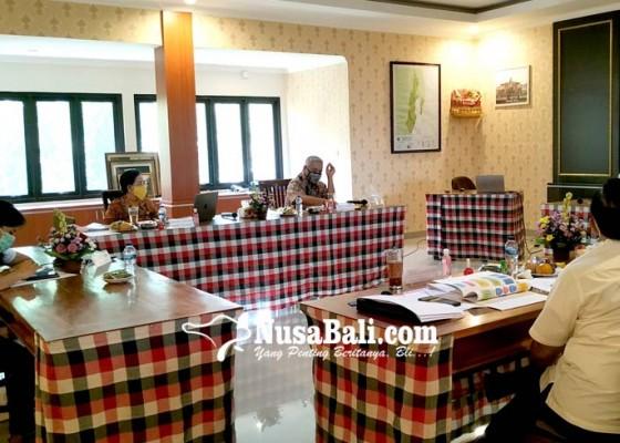 Nusabali.com - enam-pelamar-asisten-i-ikuti-seleksi-terakhir