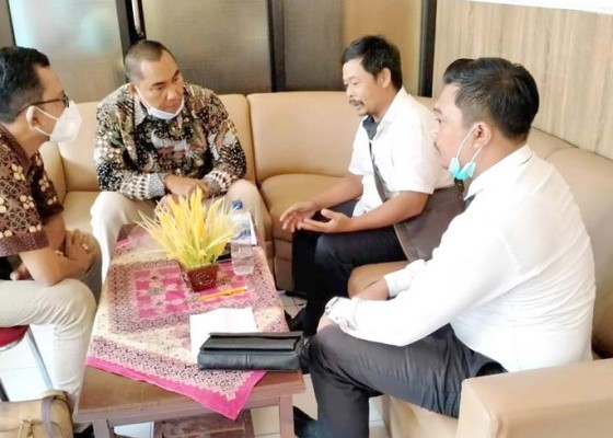 Nusabali.com - perbekel-desa-tamblang-ajukan-penangguhan-penahanan