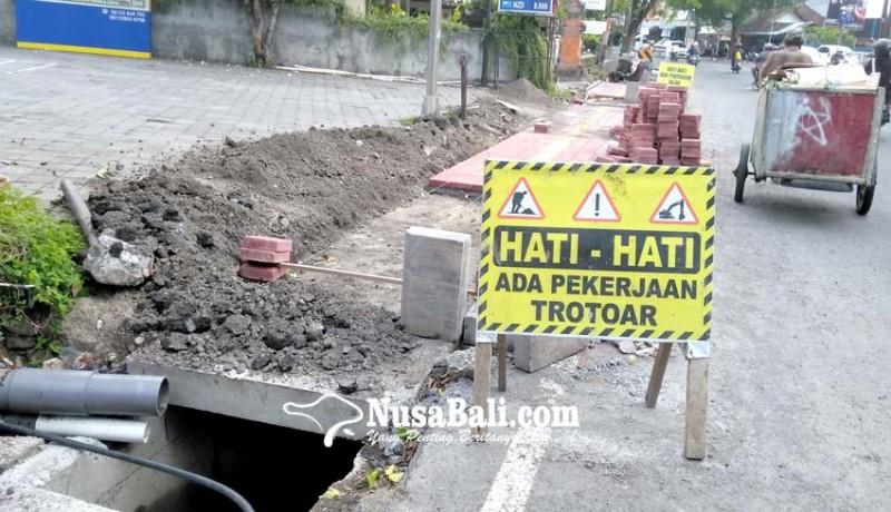 www.nusabali.com-air-ngadat-pdam-tuding-proyek-trotoar-garuk-pipa