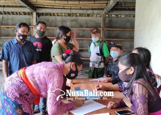 Nusabali.com - seluruh-anggota-bpd-desa-duda-diganti