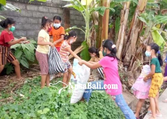 Nusabali.com - jelang-plastik-exchange-anak-anak-buru-sampah-plastik