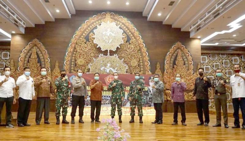 www.nusabali.com-walikota-rai-mantra-terima-hasil-pekerjaan-fisik-tmmd-di-denpasar