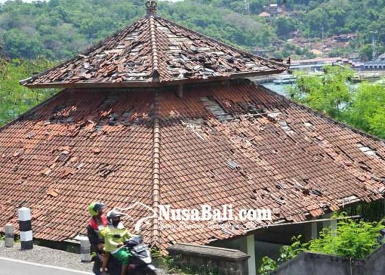 Nusabali.com - bangunan-di-pura-silayukti-dirusak-kera